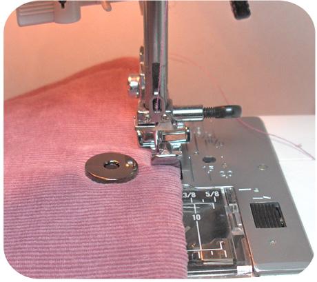 Zipper foot top stitch