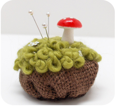460 pincushion with mushroom