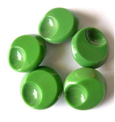Buttonsgreenglass