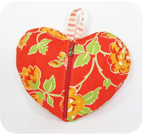 Heart ditty bag blog image