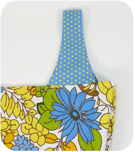 Veras garden blue handle blog image