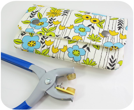 Pouch with snaps