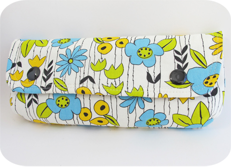 Long pouch yuwa floral 2 blog image