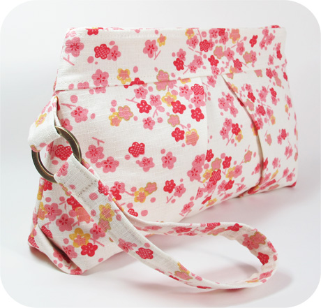 Cherry blossom pleated wristlet blog image