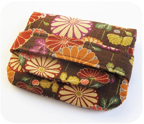 Dahlia Card Wallet Blog Image
