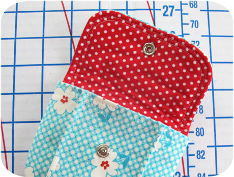 Pleated pouch inside blog image