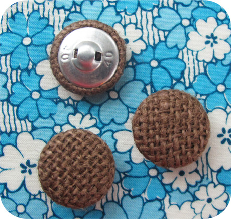 Burlap button blue background blog image 2