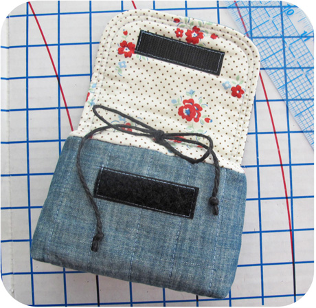 Chambray Padded Camera Pouch 460