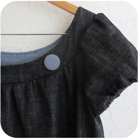 Button brooch blog image