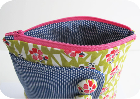 Pink zipper blog image
