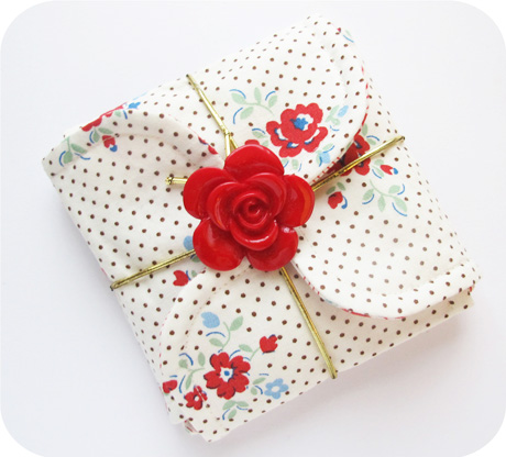 Red Rose Petal Pouch Blog Image