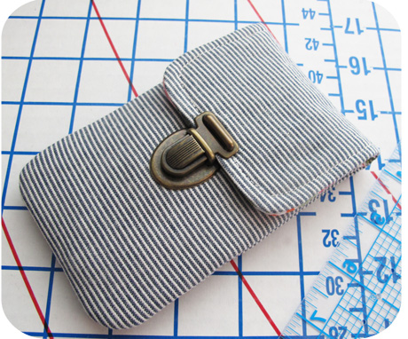 Phone pouch blog image
