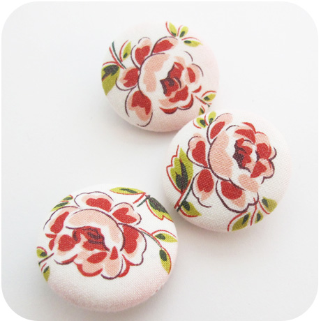 Buttons Roses