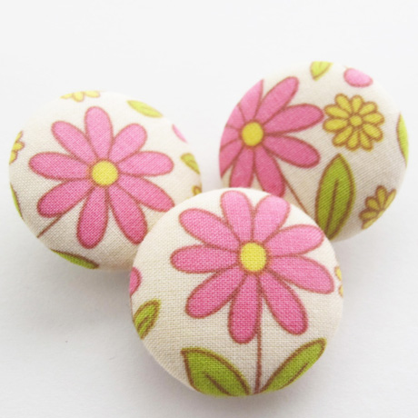 Pink Daisy Buttons
