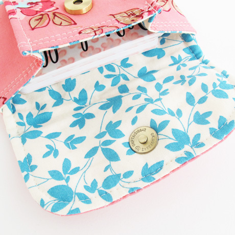 Pink Roses Mini Pleated Pouch Lining