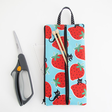 Cats and strawberries scissor pouch