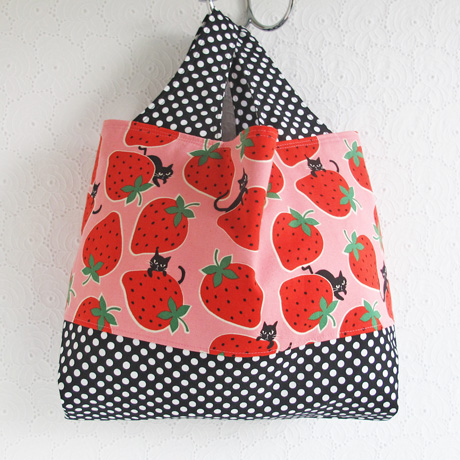 Cats and strawberries divided tote bag
