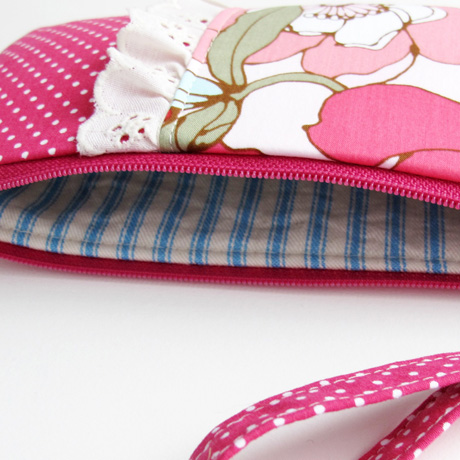 #7 floral zip pouch lining
