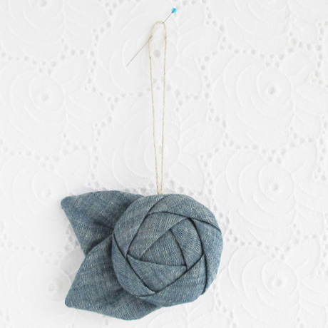 Chambray wall flower