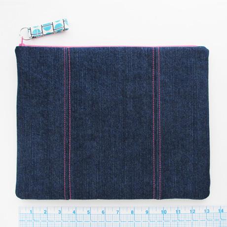 Large zip pouch